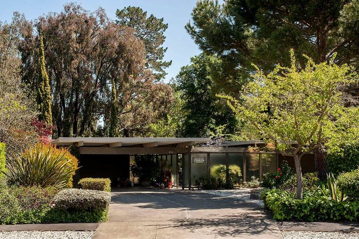 1959 Matt and Lyda Kahn time capsule house - an historic Eichler house for influential members of the Eichler design team - Retro Renovation