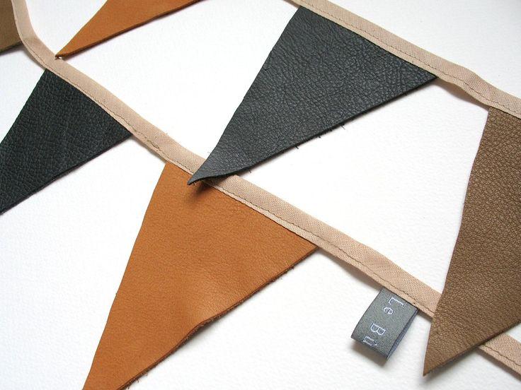 wimpelgirlande aus echtem leder 1 20 m orange von l e b u h i l u auf l e b u h. Black Bedroom Furniture Sets. Home Design Ideas