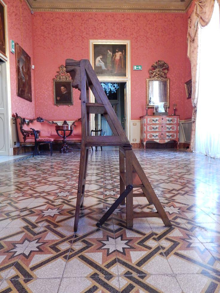 Sedia scaletta in Palazzo Francavilla, Ernesto Basile, Palermo, 1898.