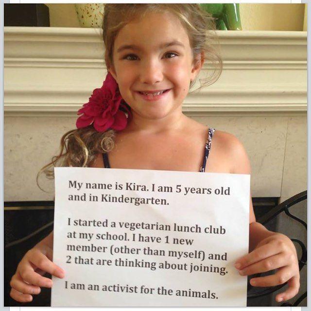 """""""Meu nome é Kira. Tenho 5 anos e estou no jardim de infância. Eu iniciei um clube de almoço vegetariano na minha escola. Eu tenho 1 novo membro (além de mim) e dois outros que estão pensando em participar. Sou uma ativista pelos animais. - Kira's Compassionate Kitchen. """"  by theveggievoice"""