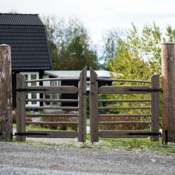 Gårdsgrind från Jämtgärsgård #gärdsgård #gärdsgårdsgrind