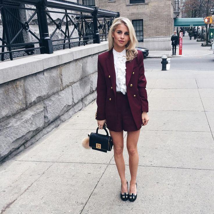 「Outfit for the @tommyhilfiger show today! Direkt von der New York Fashion Week könnt ihr auf meinem Blog (Link in Bio ) den #tommyfall16 Livestream heute…」 carodaur waysify