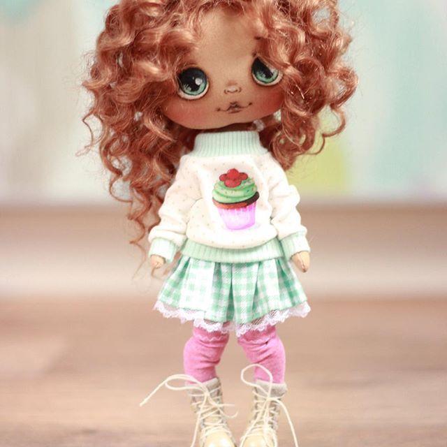Доброе утро! Покажемся:) куколка не продается, скоро будут эльфики.