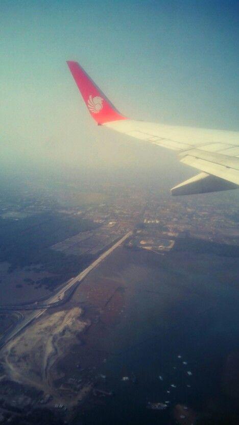 Lion Air diatas Toll Bali Mandara