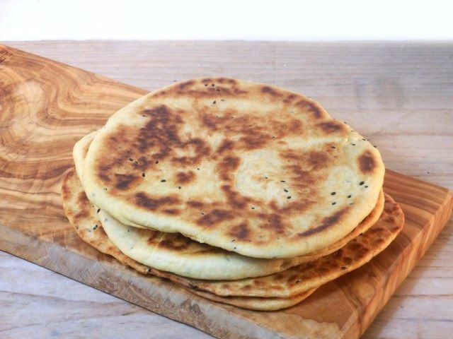 Naanbrood met knoflook - recept/recipe - naan bread with garlic