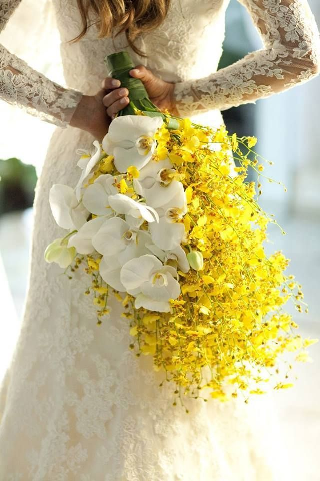 Interesting bouquet style (different flowers)