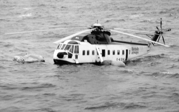 Ditched helicopter - 1983 British Airways Sikorsky S-61 crash - By Morrispeter - Own work, CC BY-SA 3.0, https://commons.wikimedia.org/w/index.php?curid=11526128