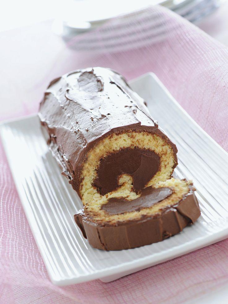 Scopri la ricetta di Sale&Pepe del Bûche de Noël, il tronchetto di Natale, e realizza un dolce tipico della cucina francese.