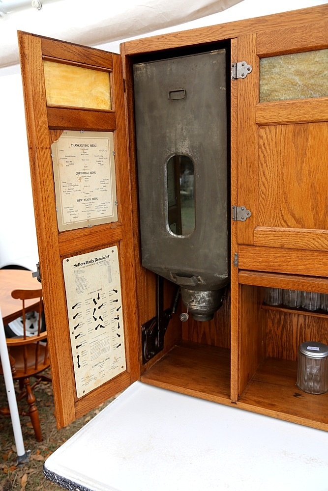 Sellers Inside Left Door Flour sifter with armature and helpful cards on inside of doors. Hoosier ... & 323 best Sellers / Hoosier cabinets images on Pinterest | Hoosier ... pezcame.com