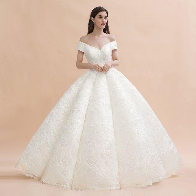 Luxus Brautkleider Prinzessin Spitze Brautmoden Online In 2020 Brautmode Luxus Brautkleider Brautkleid