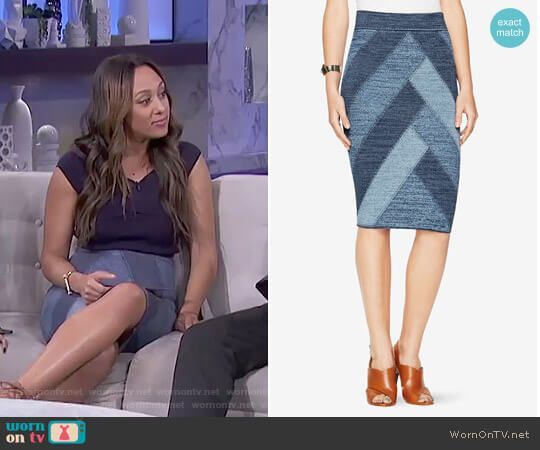dcd25d7c889ed8 Patchwork Pencil Skirt by Bcbgmaxazria worn by Tamera Mowry on The Real