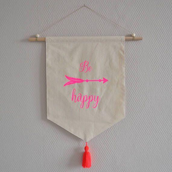 Bannière / décoration murale / fanion en tissu écru / rose