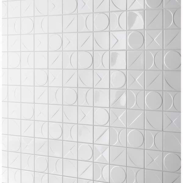 De inloopdouche betegeld met Mosa tegels (Kho Liang Le collectie) De perfecte combinatie van speels en rustig :)