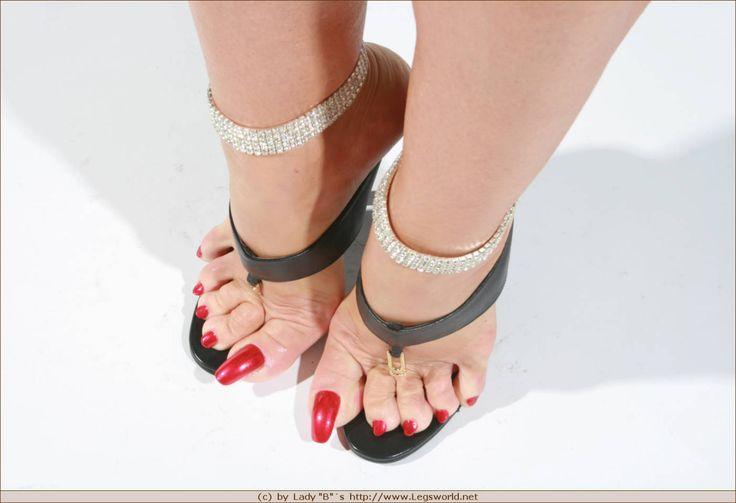 lady barbara sexy legsworld