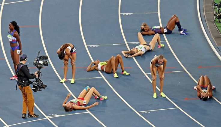 <p>Jessica Ennis-Hill (R) of Great Britain and Brianne Theisen Eaton of…