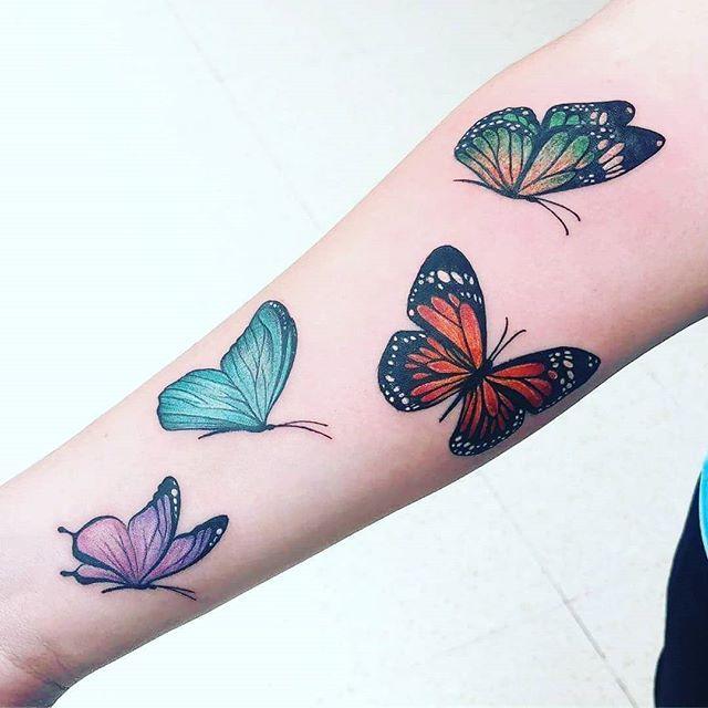 Resultado De Imagenes De Google Para Https Totaltatuajes Com Wp Content Uploads 2018 06 Tatuaje Mariposas De Colore Lotus Flower Tattoo Flower Tattoo Tattoos