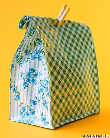 Oilcloth Crafts: Lunch Bags - Martha Stewart Kids' CraftsSummer Picnic, Sewing Projects, Oilcloth Crafts, Lunches Bags, Kitchens Tables, Oilcloth Lunches, Kids Crafts, Martha Stewart, Projects Gallery