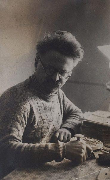 Frida Kahlo Snaps: Leon Trotsky in Mexico, 1937