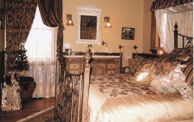 The Vintage Garden Room, one of the Queen Ensuite Rooms.