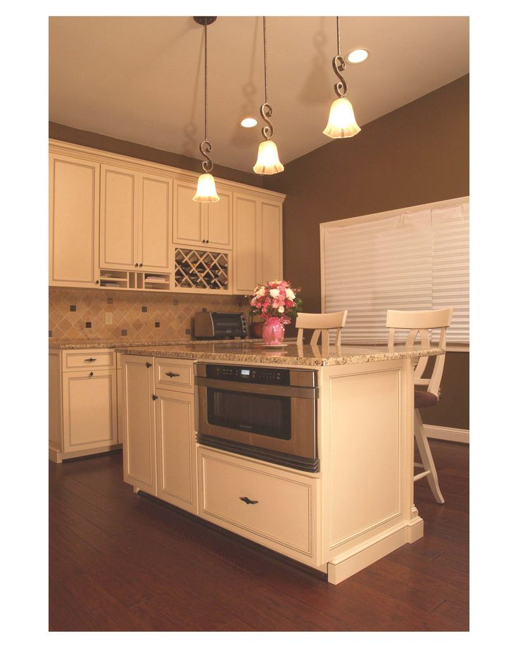 Medium Wood Kitchens: Traditional Style White Maple Custom Kitchen With Medium