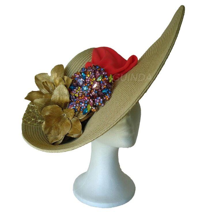 Segunda foto del modelo pamela CORAL, foto de perfil.