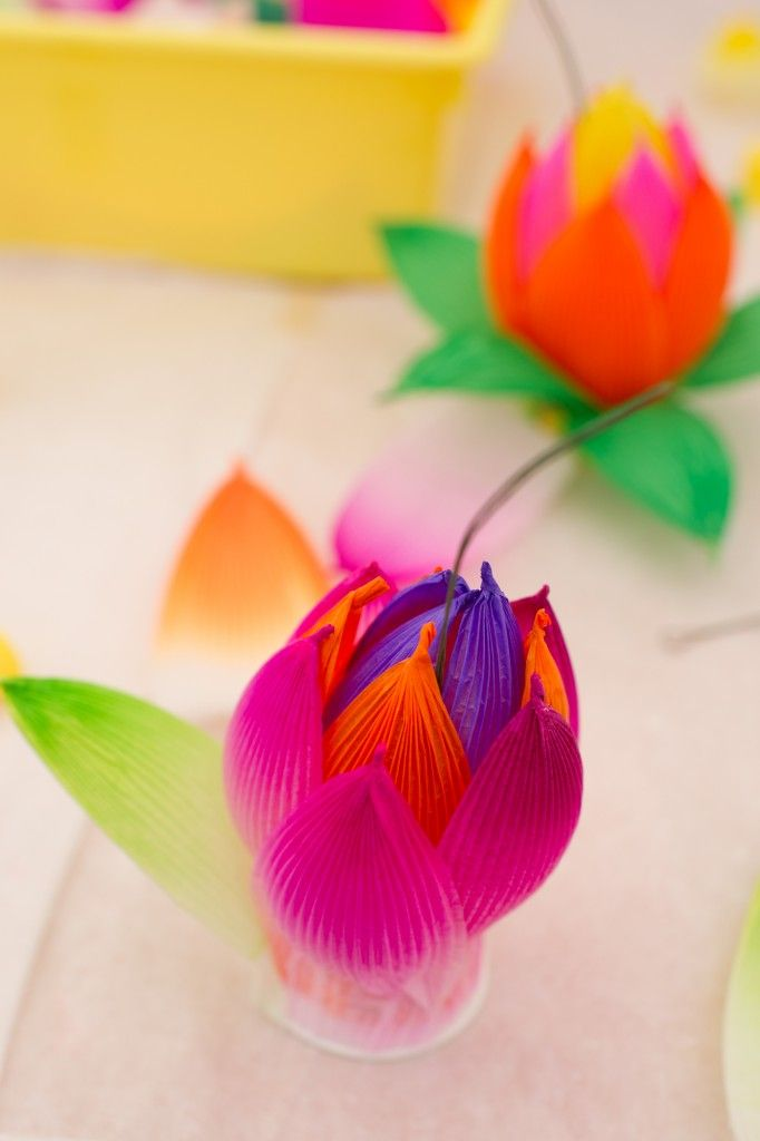 Making Lotus Flowers in South Korea - Step by Step instructions using paper cups