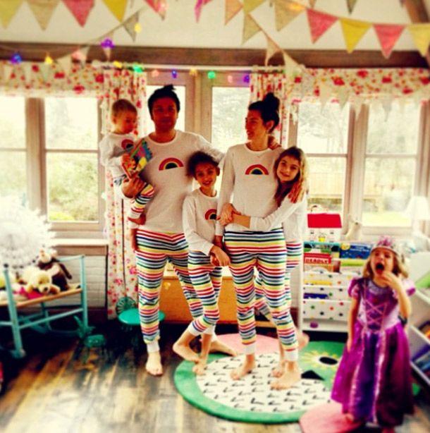 Jamie Oliver posts snap of family wearing matching pyjamas - Photo 1   Celebrity news in hellomagazine.com