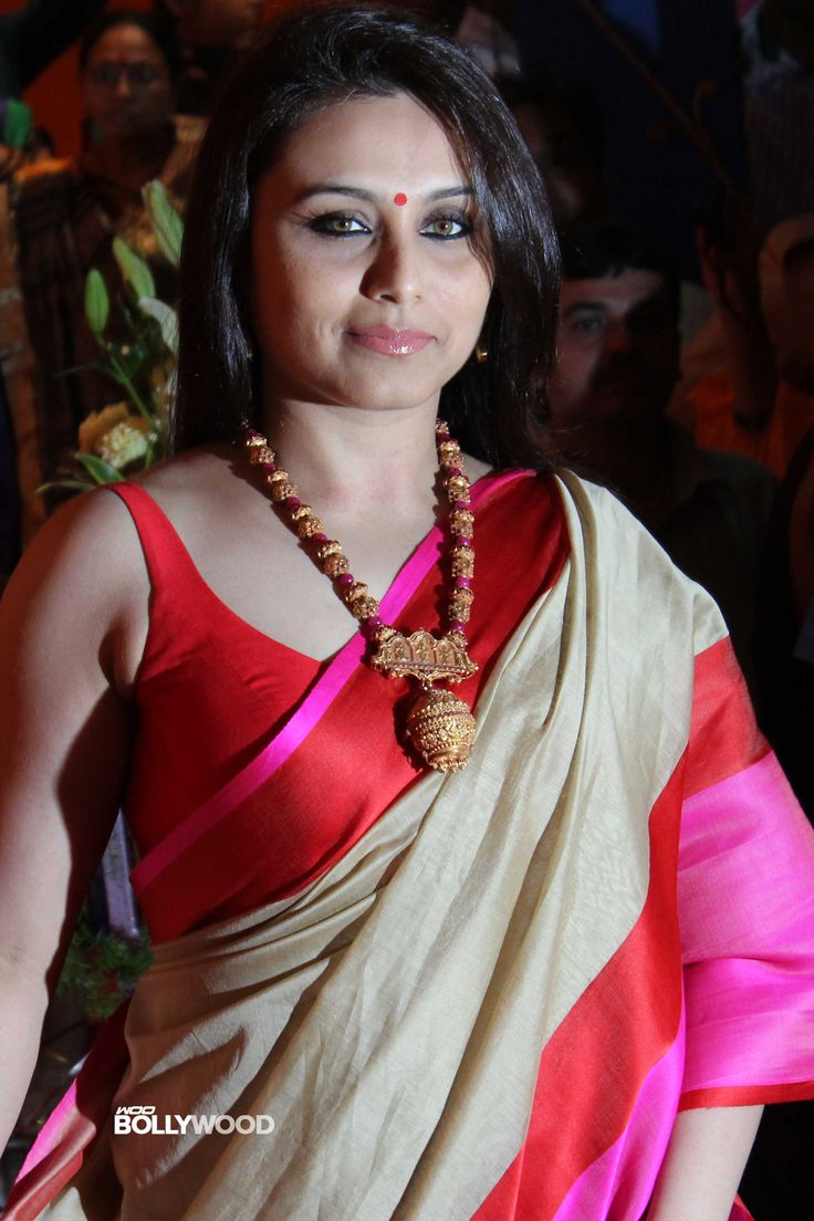 http://woobollywood.com/photos/files/2013/11/30/9373/Rani-Mukerji-Sexy-Saree-Stills-01.jpg