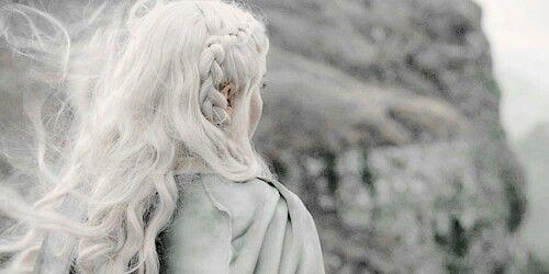 el cabello blanco no pasa de moda