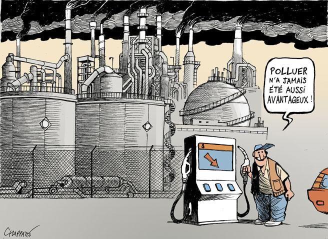 Pourquoi être écolo quand le #pétrole coule à flots ? http://www.courrierinternational.com/dessin/2014/12/16/pourquoi-etre-ecolo-quand-le-petrole-coule-a-flots #écologie #politique #économie #spéculation #société #bénéfice - Elle n'en finit pas d'étonner : la chute des cours du pétrole amorcée ces derniers mois est historique. Le 15 décembre, le baril avoisinait les 60 dollars (en juin, il était à 115 dollars). Un pétrole moins cher, est-ce pour autant une bonne nouvelle ?...
