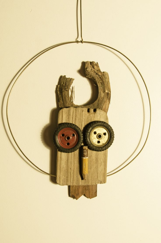 ... yeux bicolores ralise  partir de pices de Mcanos anciens des  annes le corps est en bois glan et flott reli par un cercle de laiton q  - 16652359