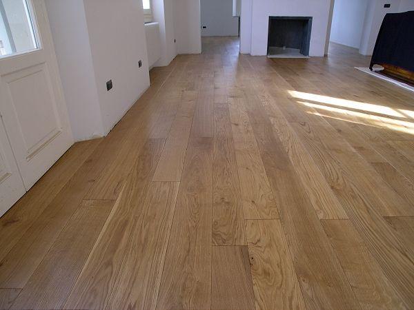 Oltre 25 fantastiche idee su pavimenti in legno chiaro su - Porte rovere chiaro ...