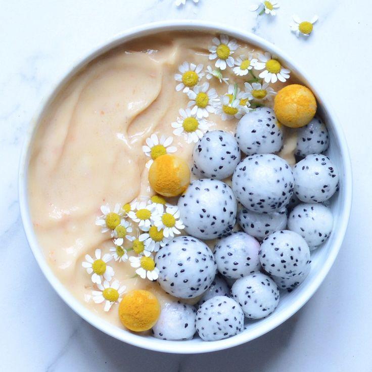 Alpha Foodie | peach smoothie bowl