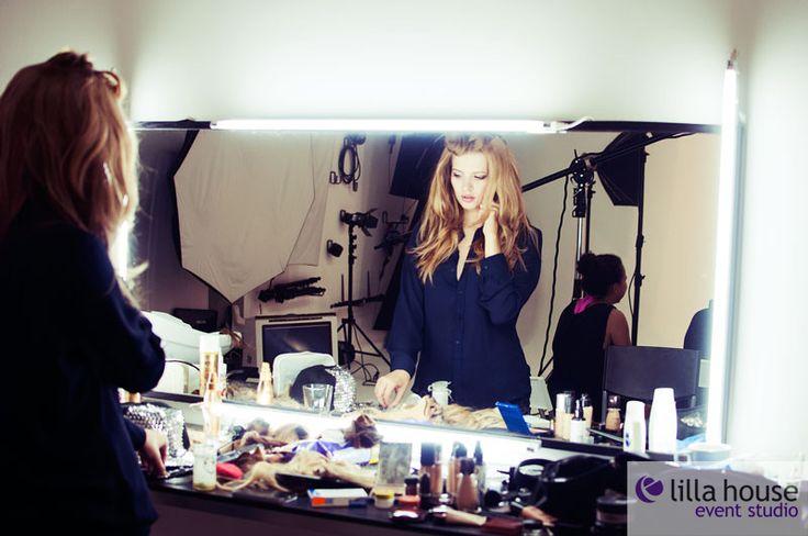 Backstage sesji zdjęciowej dla Galerii Łódzkiej. #lodz #foto #hair #hairdresser #photo #creation #model #makeup # backstage #team #lilla