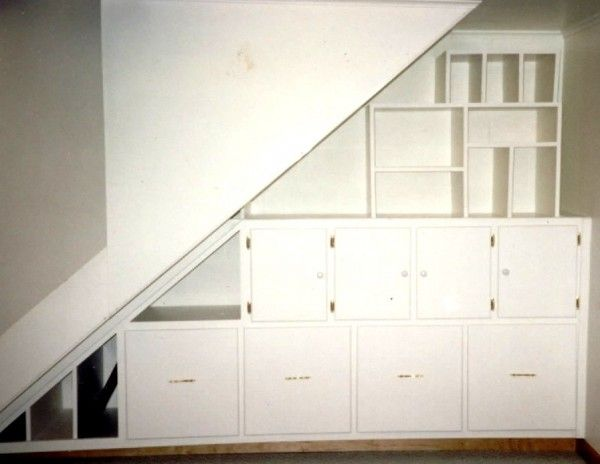 1000+ Ideas About Stair Shelves On Pinterest
