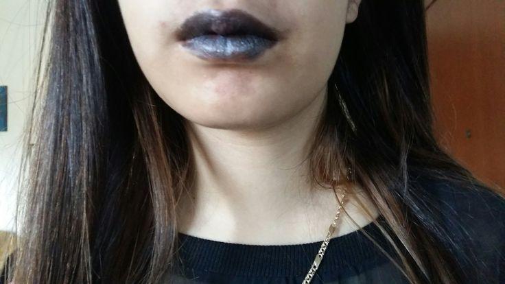 Δοκιμή του μαύρου κραγιόν (gothic lipstick)! Φυτικό κραγιόν με μελισσοκέρι, βούτυρο καριτέ, καστορέλαιο και ορυκτό χρώμα mica! 100% natural lipstick!