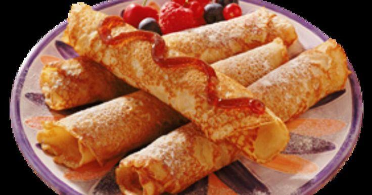 Pannenkoeken met boekweitmeel gemaakt, lekker! | geinspireerd op toegevoegd recept. | 250g boekweitmeel, 250g zelfr. bakmeel, 900ml amandelmelk (kan ook met gewone melk), 2 eieren, zout (en wat peper) | ik heb er 15 pannenkoeken van gebakken (niet compleet pan vullend)