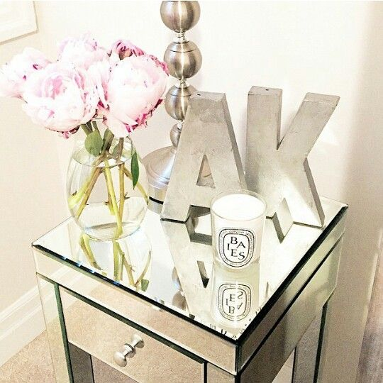 93 best diy mirrored furniture images on pinterest diy for Bedside decoration