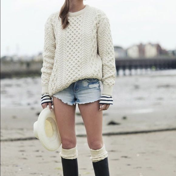 Vintage Authentic Irish Knit Sweater Gorgeous 100% wool sweater. Hand-made in Ireland. Cornel Sweaters Crew & Scoop Necks