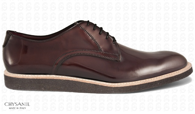 Mod. CITY DERBY  in lucid brushed calf leather  design with relief seams.  Hide sole contrasting with  rubber lowersole.
