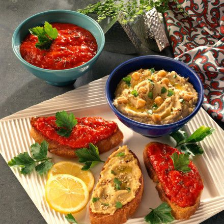 Crostini mit Kichererbsen- und Paprika-Püree Rezept   LECKER