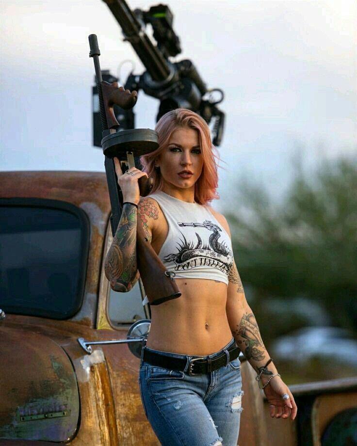 Pin By Stefan Rudolf On Tactical Bags Military Girl Girl Guns Warrior Woman