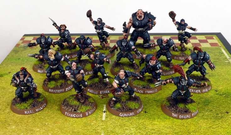 Dave Taylor shows off his Black Gulf Buccaneers for blood bowl simple, but effective conversions and great paint job
