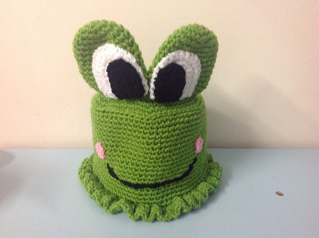 Craft Passions: Frog Toilet Roll Cover..# free # crochet pattern l...