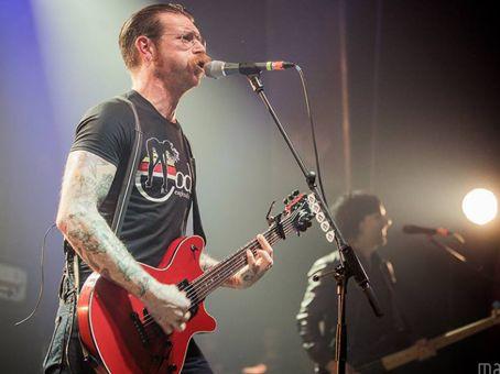 Canal Electro Rock News: Divulgadas fotos da banda Eagles Of Death Metal se apresentando minutos antes do atentado em Paris