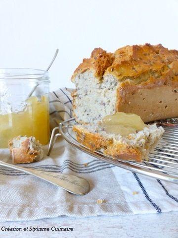 Pain sans gluten aux graines de lin, idéal pour le petit déjeuner