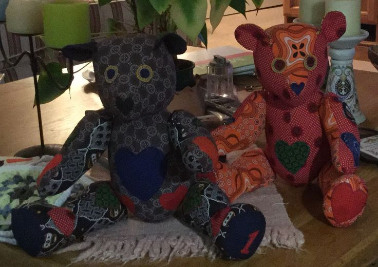 These are two of my new range of teddy bears. I think I will name them JAMBOREE - which is Swahili for HELLO. The bears are made from African Schwe  Schwe fabric.