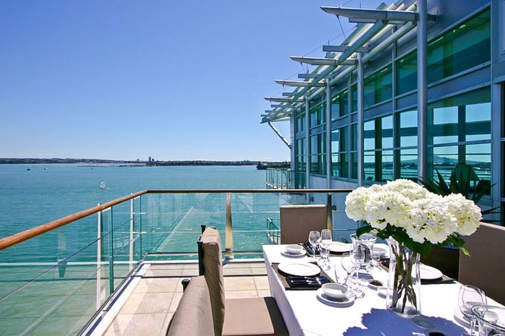 From the Proposal to the Big event and all those reasons to celebrate in between, we offer Penthouse 64.