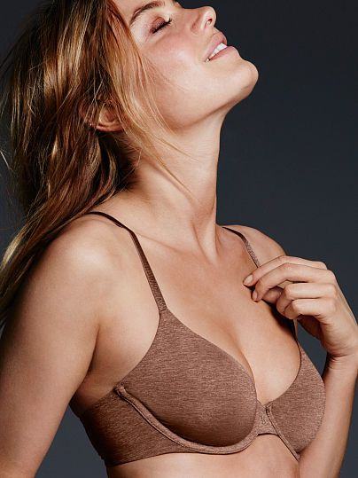 Worn by : Angel Camille Rowe  Type : The TShirt Unlined Demi Bra  Color : Mocha Marl