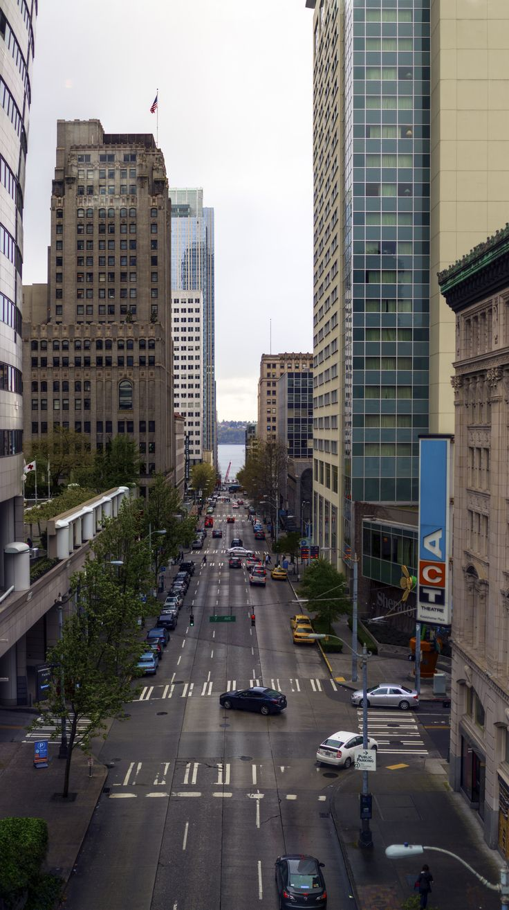 https://flic.kr/p/ERgR9B | SeattlestreetEaster6 | A stitch of a bunches of images I took at the Seattle Convention Center.